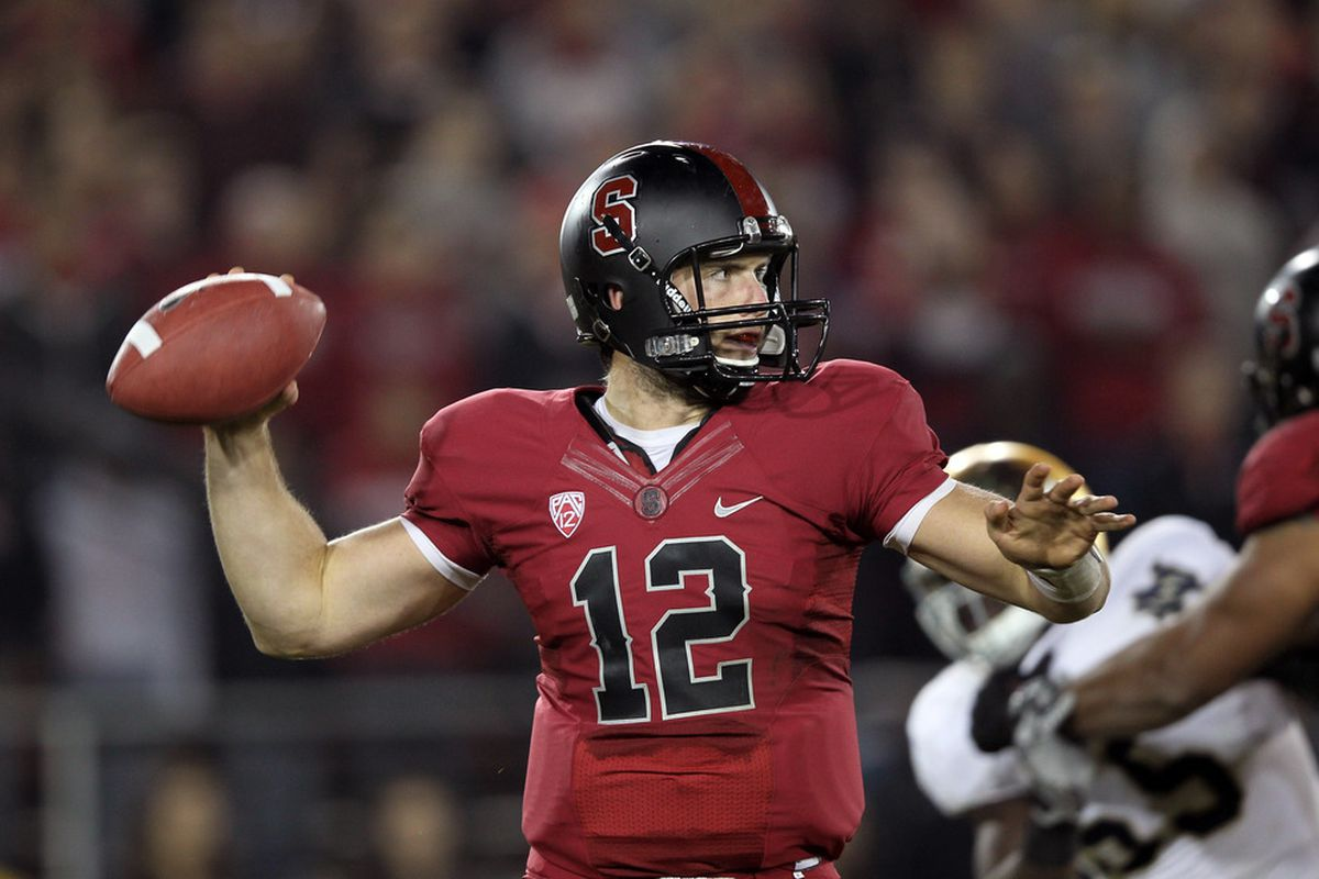 STANFORD, CA - NOVEMBER 26:  Andrew Luck #12 of the Stanford Cardinal throws the ball against the Notre Dame Fighting Irish at Stanford Stadium on November 26, 2011 in Stanford, California.  (Photo by Ezra Shaw/Getty Images)