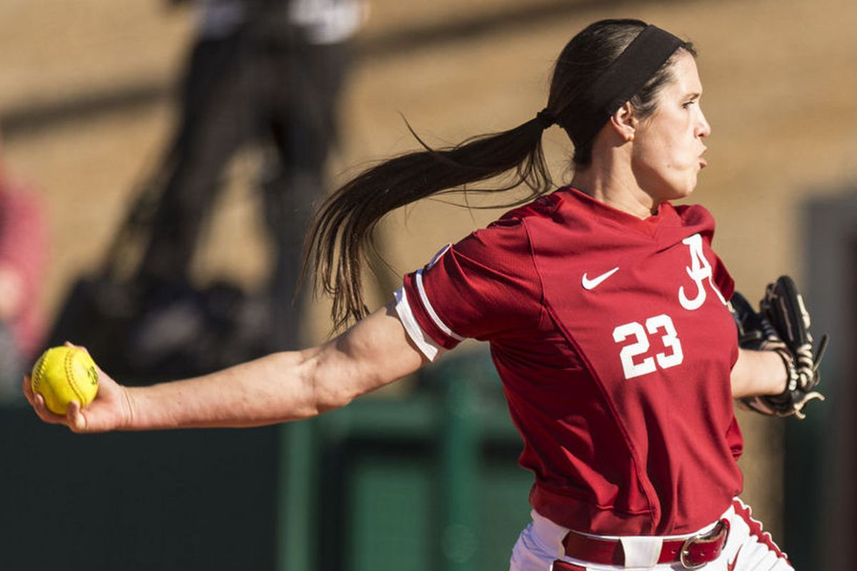 Senior pitcher Leslie Jury throws a pitch during her complete game shutout versus the Ole Miss Rebels on Saturday.