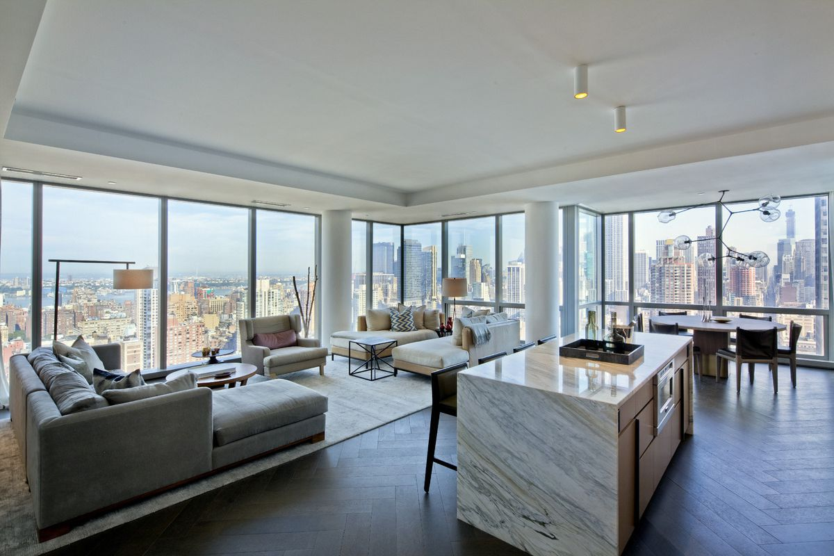 Tom brady 39 s nyc apartments are high end paparazzi proof for Real estate nyc apartments