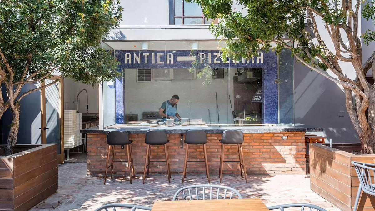 Iconic Naples Pizzeria L'Antica da Michele Now Makes Its