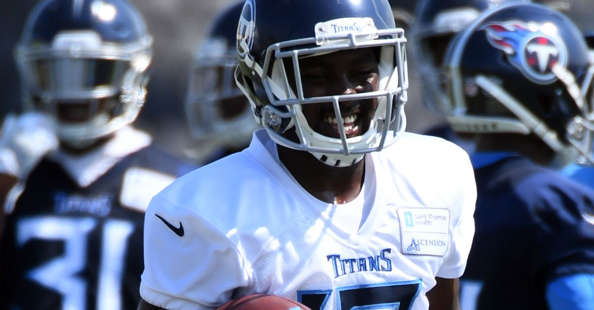 WATCH: Taywan Taylor getting the best of the Buccaneers during joint practice