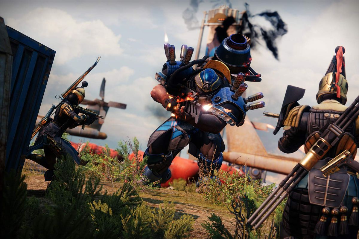 Season of the Chosen Guardians face off against a Cabal commander