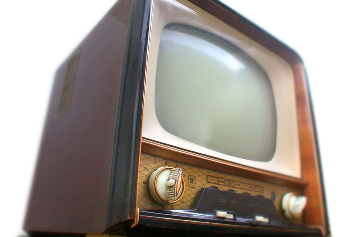 Hungarian television set from 1959. ORION AT 602 - 1959 by Takkk via CC-BY-SA 3.0