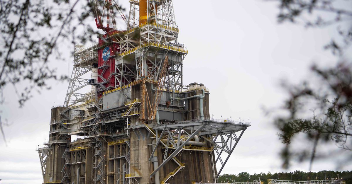 Watch NASA test fire its massive new rocket