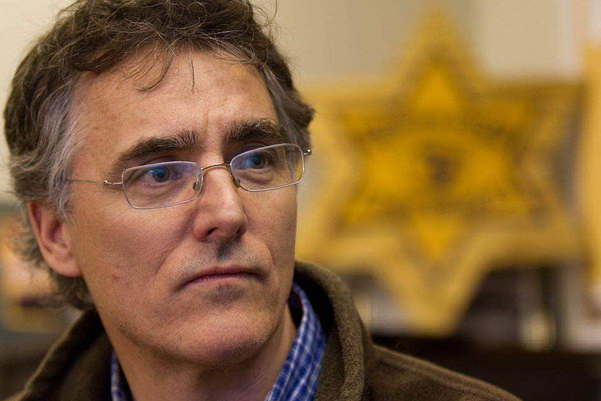 Dart supports plan to keep warrants from languishing for