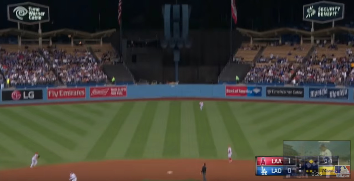mike-trout-los-angeles-angels-bad-route-error