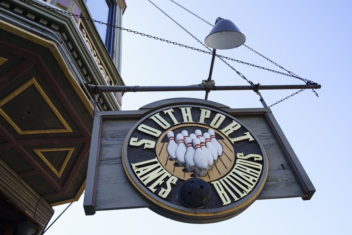 Southport Lanes sign above the main entrance at 3325 N. Southport Ave in Lake View. Sunday, Sept. 20, 2020.