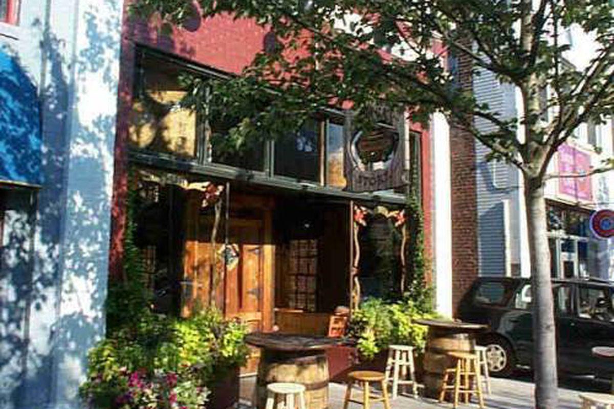The not-cursed Brick Store Pub.