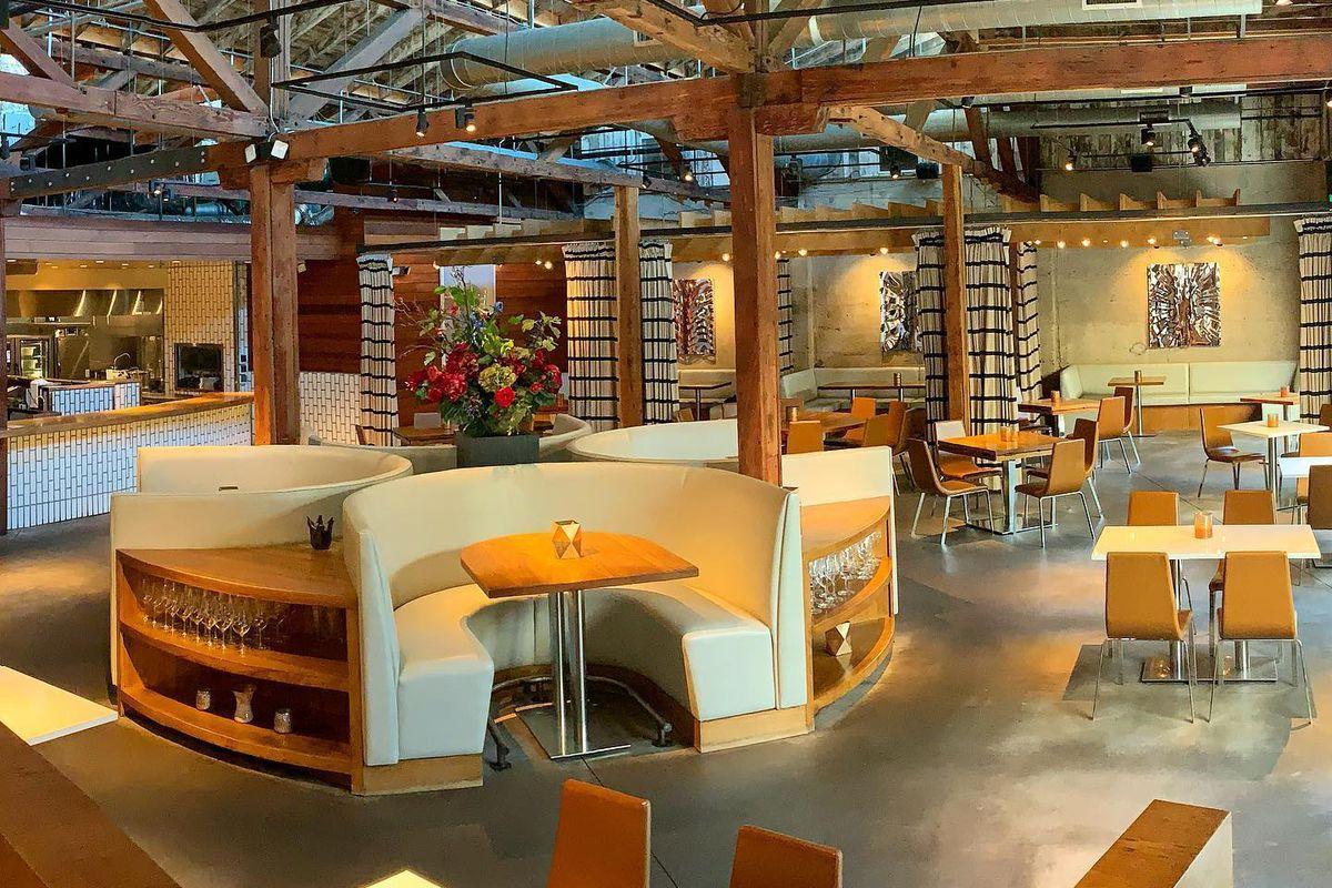 Dining room at Juniper & Ivy