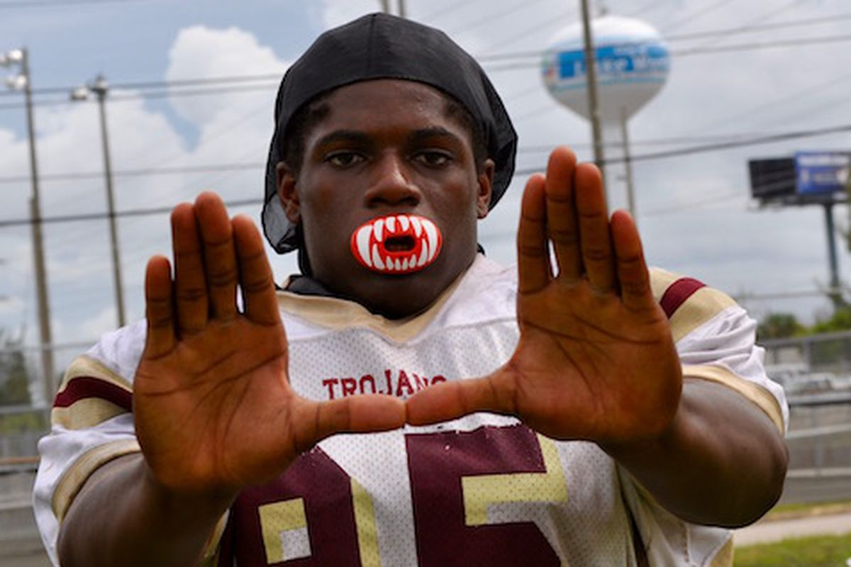 3-star DE Jonathan Garvin (Lake Worth, FL) is one of 20 players currently in the Canes' 2017 recruiting class.