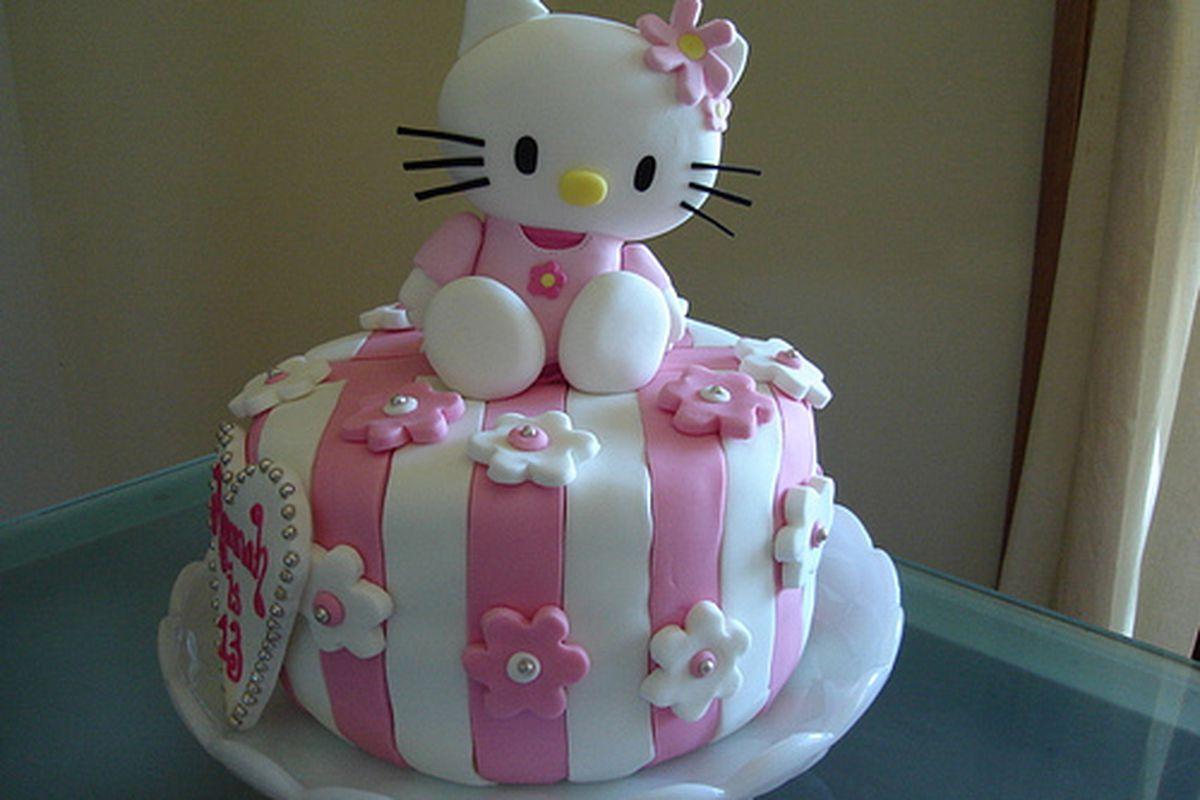 "Look, Joe! Your favorite! via <a href=""http://birthdaycakeparty.com/wp-content/uploads/2010/07/kitty-birthday-cake1.jpg"">birthdaycakeparty.com</a>"