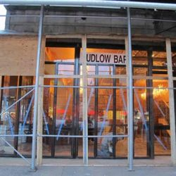 """<a href=""""http://www.boweryboogie.com/2011/10/ludlow-bar-unmasks-itself-at-95-delancey/"""" rel=""""nofollow"""">www.boweryboogie.com/2011/10/ludlow-bar-unmasks-itself-at...</a>"""
