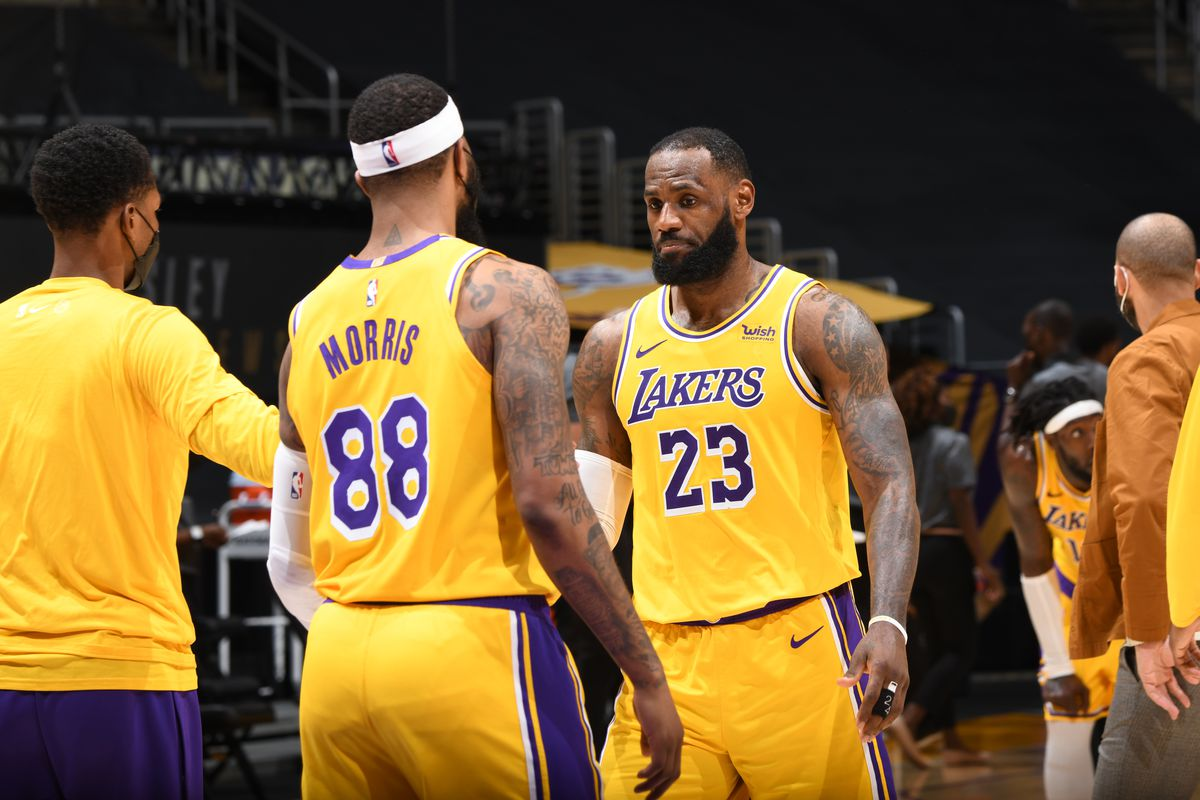 Should We Be Worried About The Lakers Silver Screen And Roll
