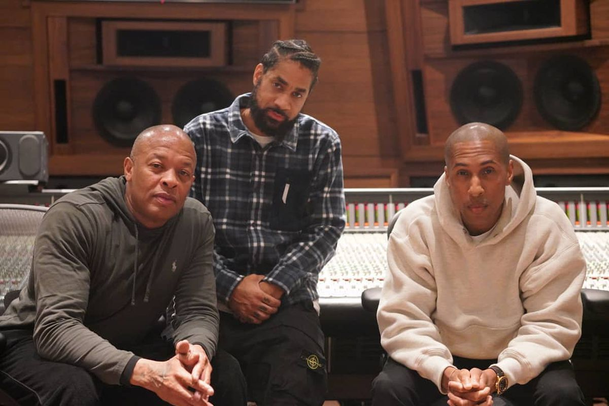 Dem Jointz and Dr. Dre in the studio