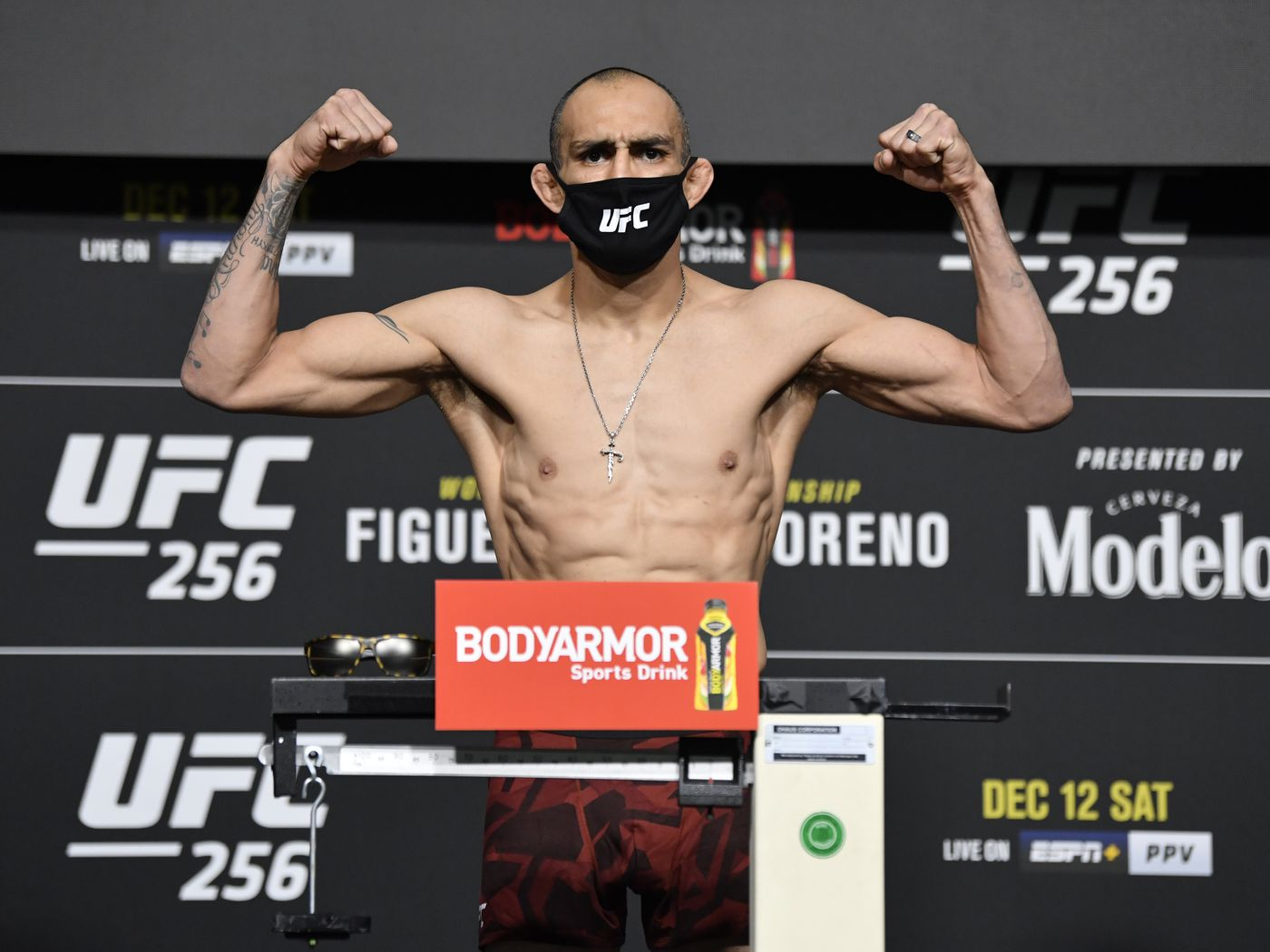 Ufc 256 Weigh In Results Figueiredo Vs Moreno Ferguson Vs Oliveira Official Mma Fighting