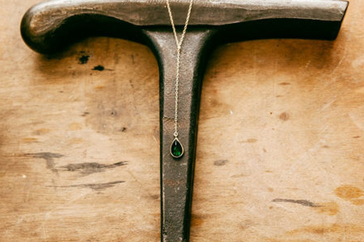 """Psyche Jewelry Teardrop Necklace, <a href=""""http://www.psyche-jewelry.com/product/teardrop-necklace"""">$185</a>. Photo by <a href=""""http://peladopelado.com/"""">Driely S.</a>"""