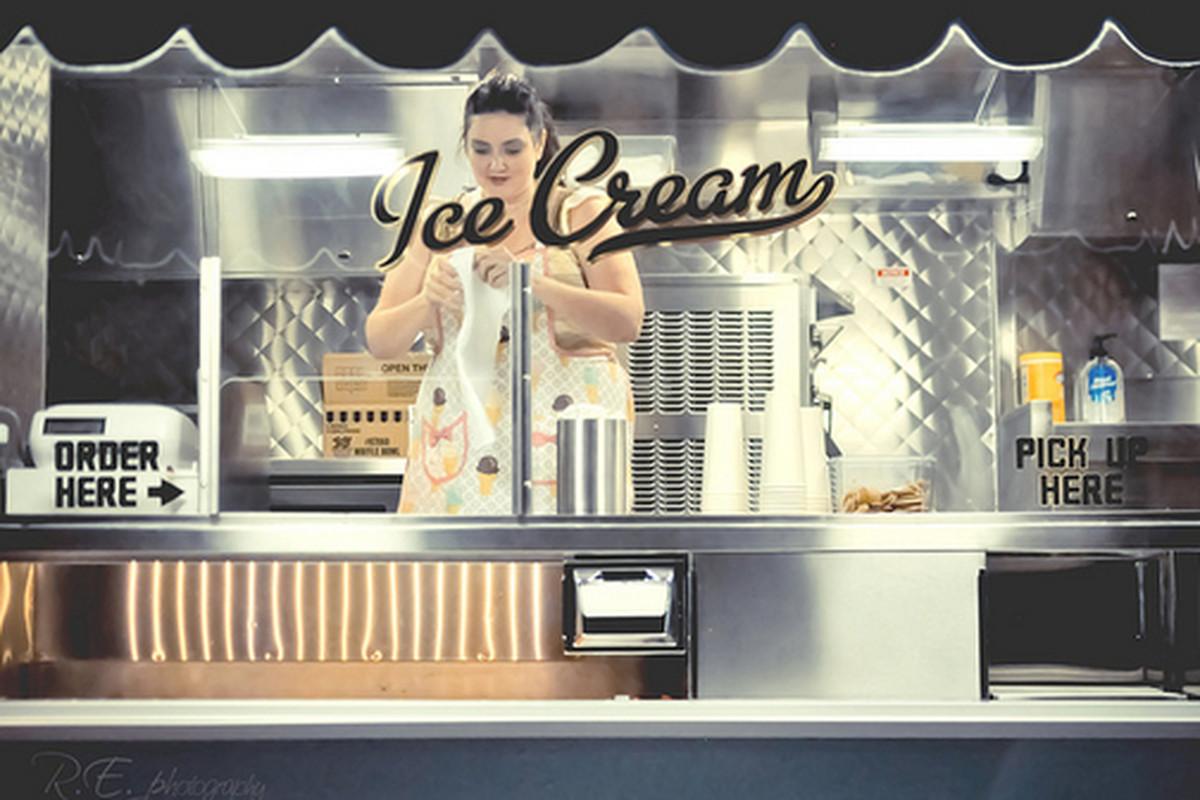 Lake Street Creamery ice cream truck.