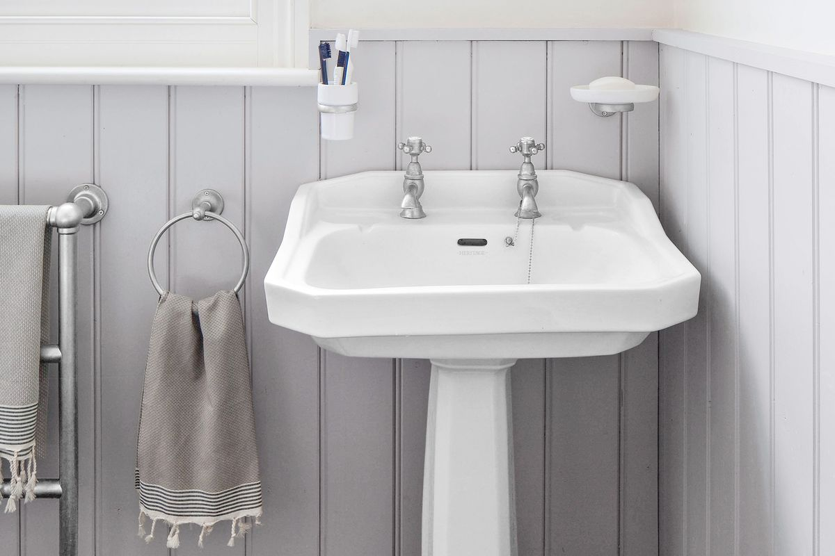 Fix a Chipped Sink - This Old House