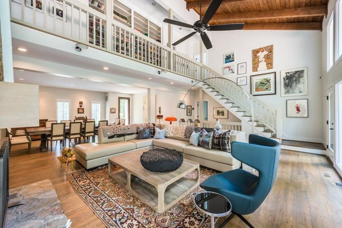 A remodeled home from 1984 in Sandy Springs that's for sale.
