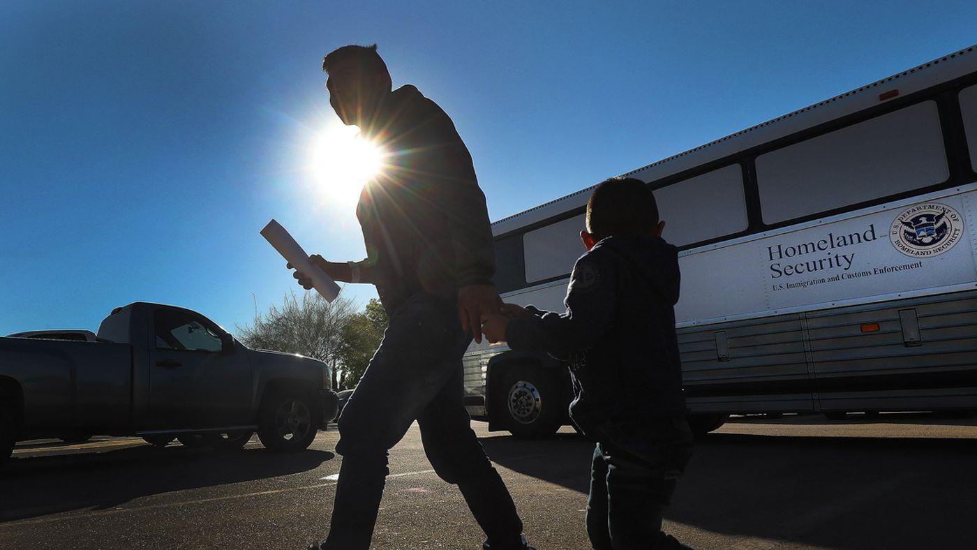 Life at the border: Church volunteers fill the humanitarian