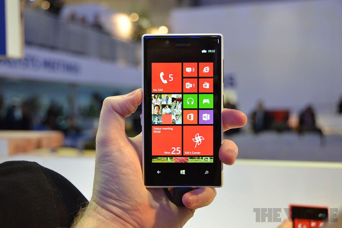 Gallery Photo: Nokia Lumia 720 hands-on photos