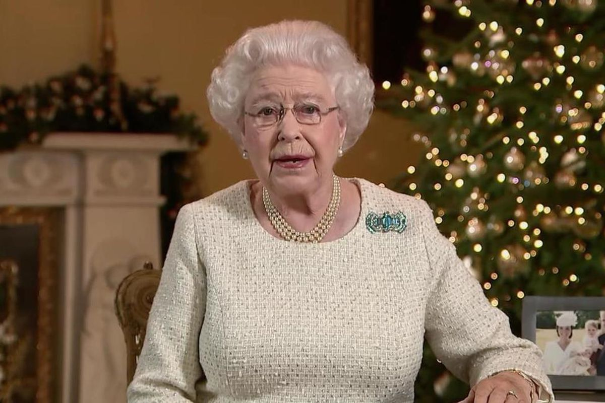 Queen Elizabeth II shares her thoughts and testimony of Jesus in her 2015 Christmas speech.