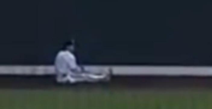 ho sit down 3