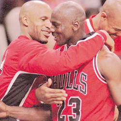 Ron Harper says there's no way the Warriors would have defeated the 1996 Bulls and Michael Jordan. | AP
