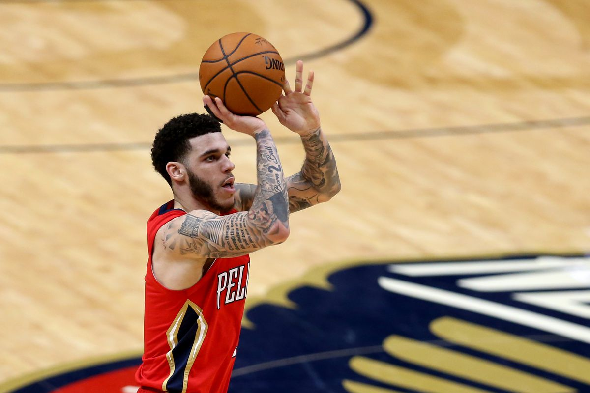 New Orleans Pelicans guard Lonzo Ball (2) attempts a jump shot in the third quarter against the Miami Heat at the Smoothie King Center.