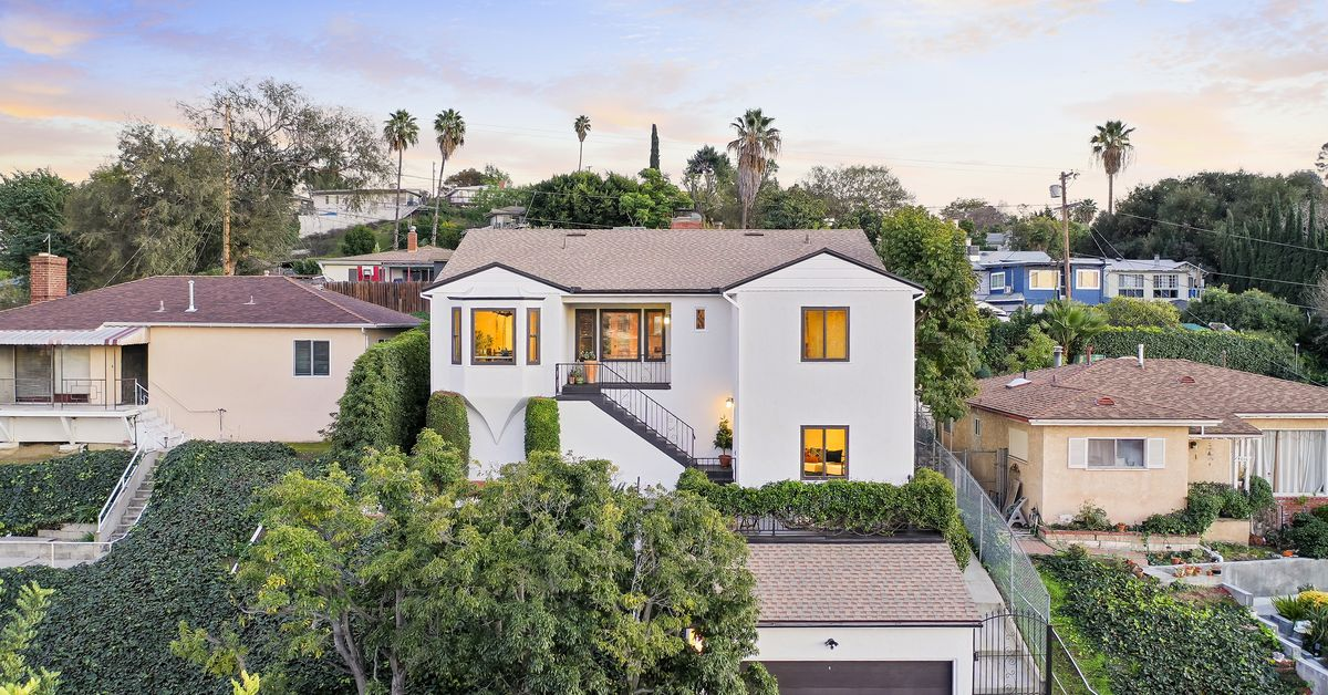 Glassell Park home with original 1940s details asking $885K