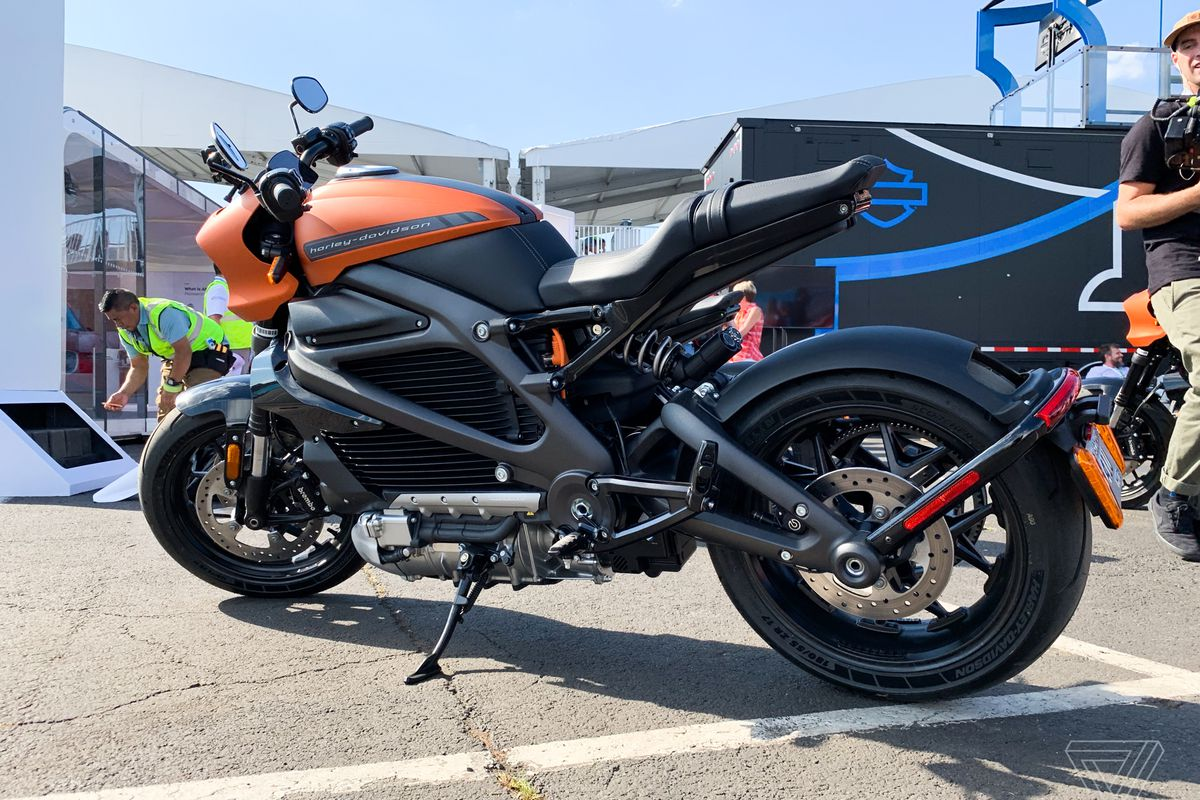 Live Wire Electric >> Harley Davidson Stops Electric Motorcycle Production Due To