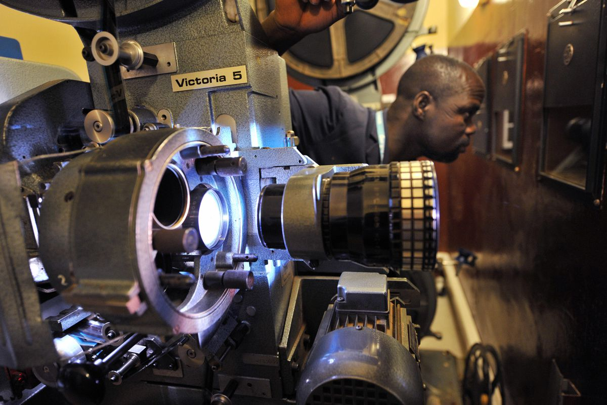 How film projection got so complicated — and how it can make or break your movie  experience - Vox