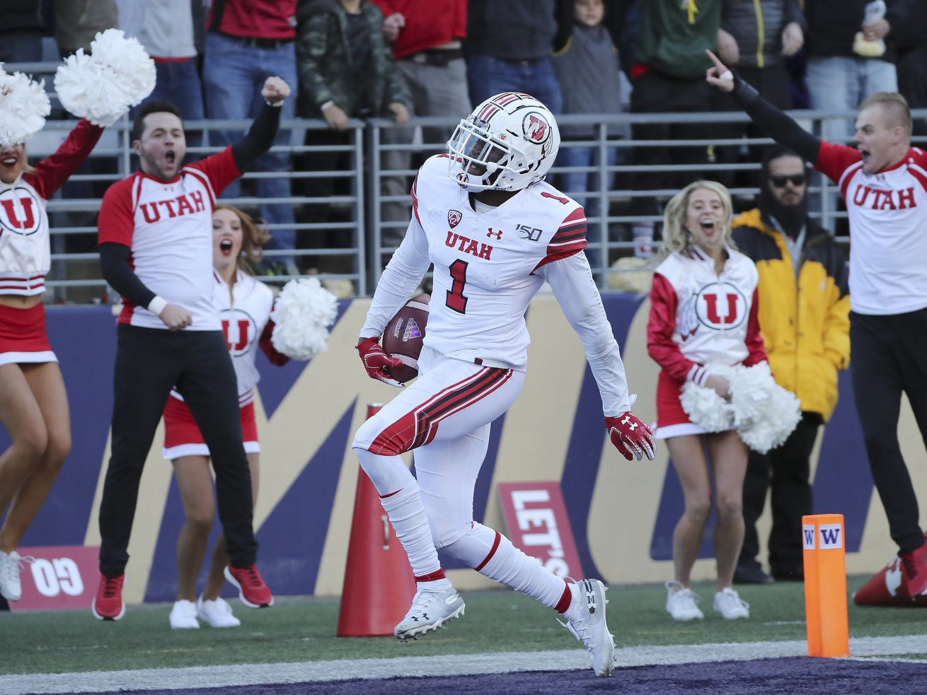 Utah Utes defensive back Jaylon Johnson (1) scores on the pick-six against the Washington Huskies in Seattle on Saturday, Nov. 2, 2019. Utah won 33-28.