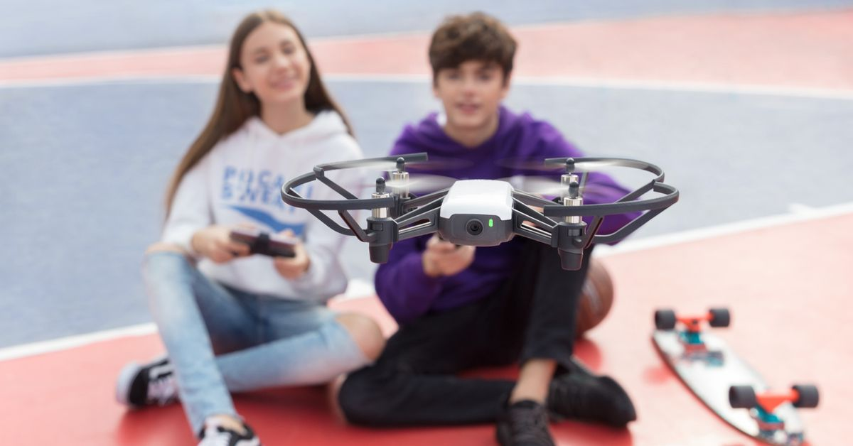 A new $99 toy drone has Intel and DJI flight technology