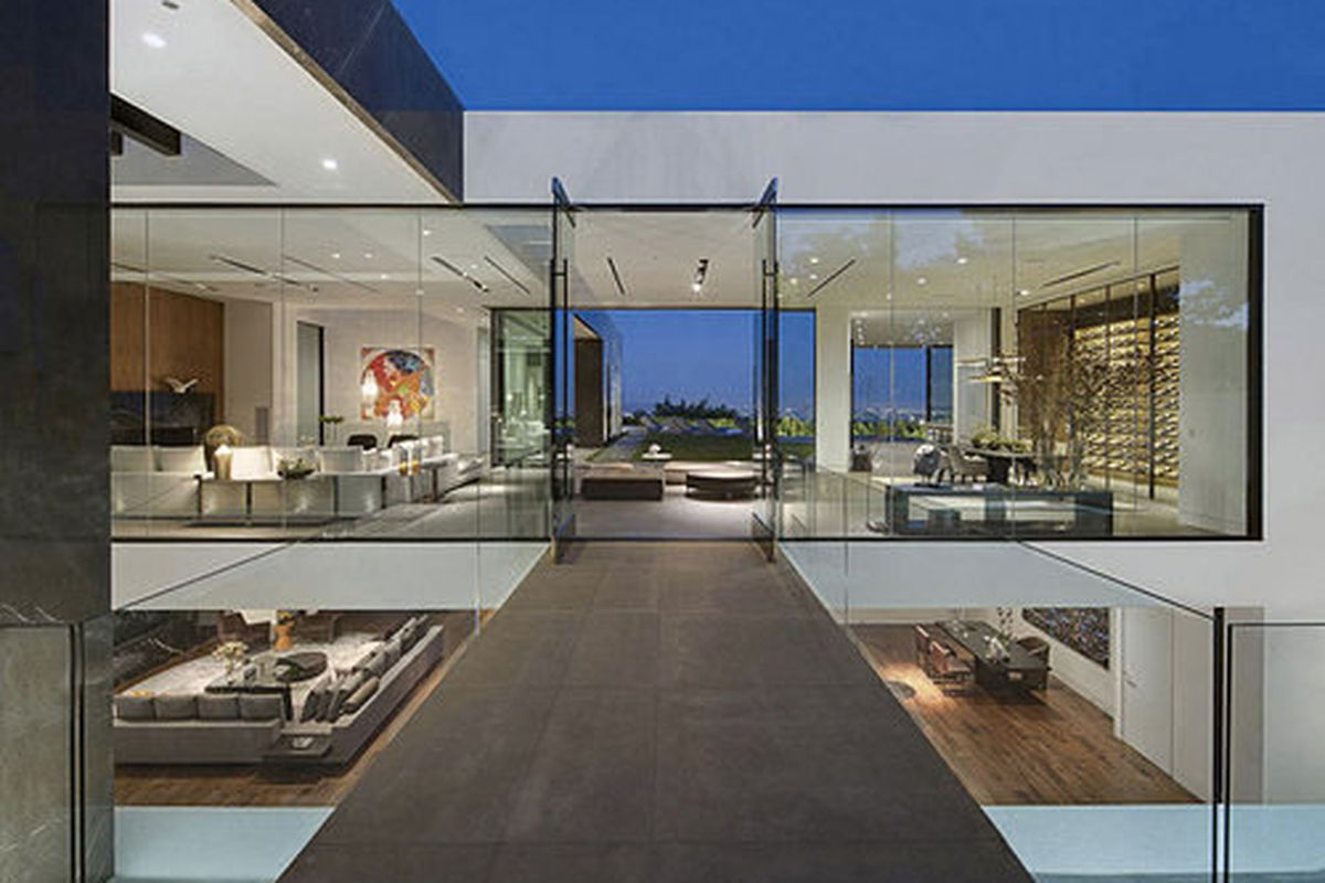 """The mansion in the Hollywood Hills Bird Street neighborhood that Calvin Klein <a href=""""http://la.curbed.com/archives/2015/06/calvin_klein_mansion.php"""">purchased</a> last month for $25 million."""