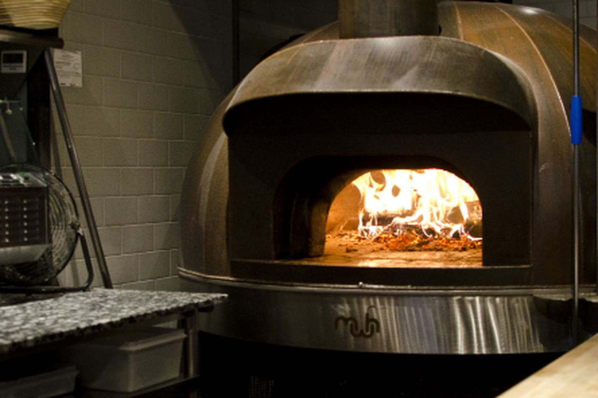 Boston Chefs & Pizzeria Owners Talk About Their Ovens - Eater Boston
