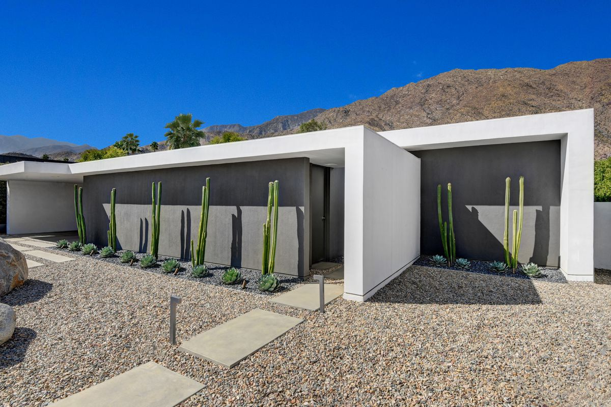 Palm Springs Minimalist Modern Home Can Be Yours For 1 6m Curbed