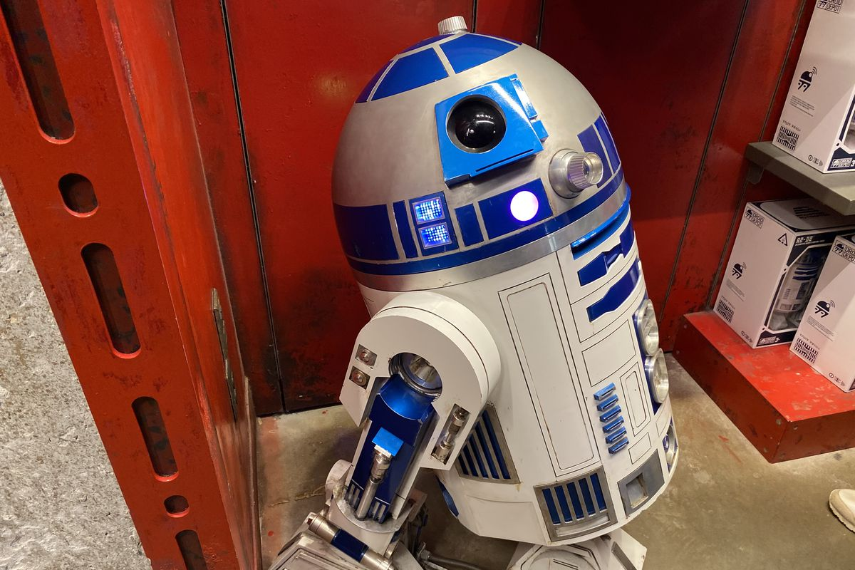 A photo of the R2-D2 droid at the Droid Depot at Star Wars Galaxy's Edge that costs $25,000.