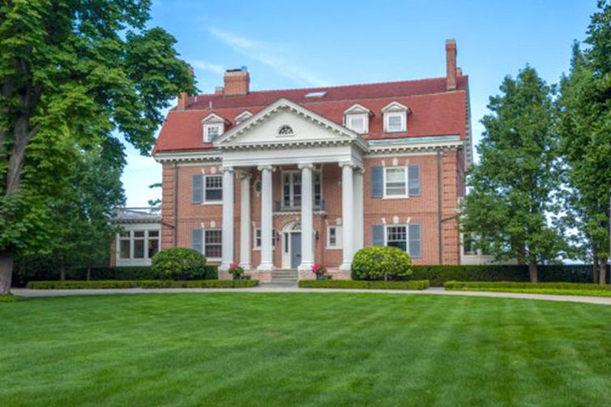 Historic winnetka mansion may face demolition after 10m for Mansion in chicago for sale