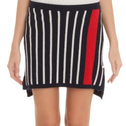 Thanks to the vertical stripes, Stewart's skirt is an incredibly slimming buy.
