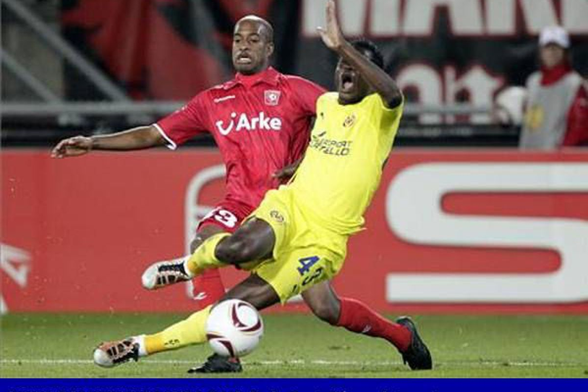 Wakaso Mubarak wins a penalty against FC Twente at El Madrigal.  Could the Yellow Submarine play the Tukkers in the Champions League?
