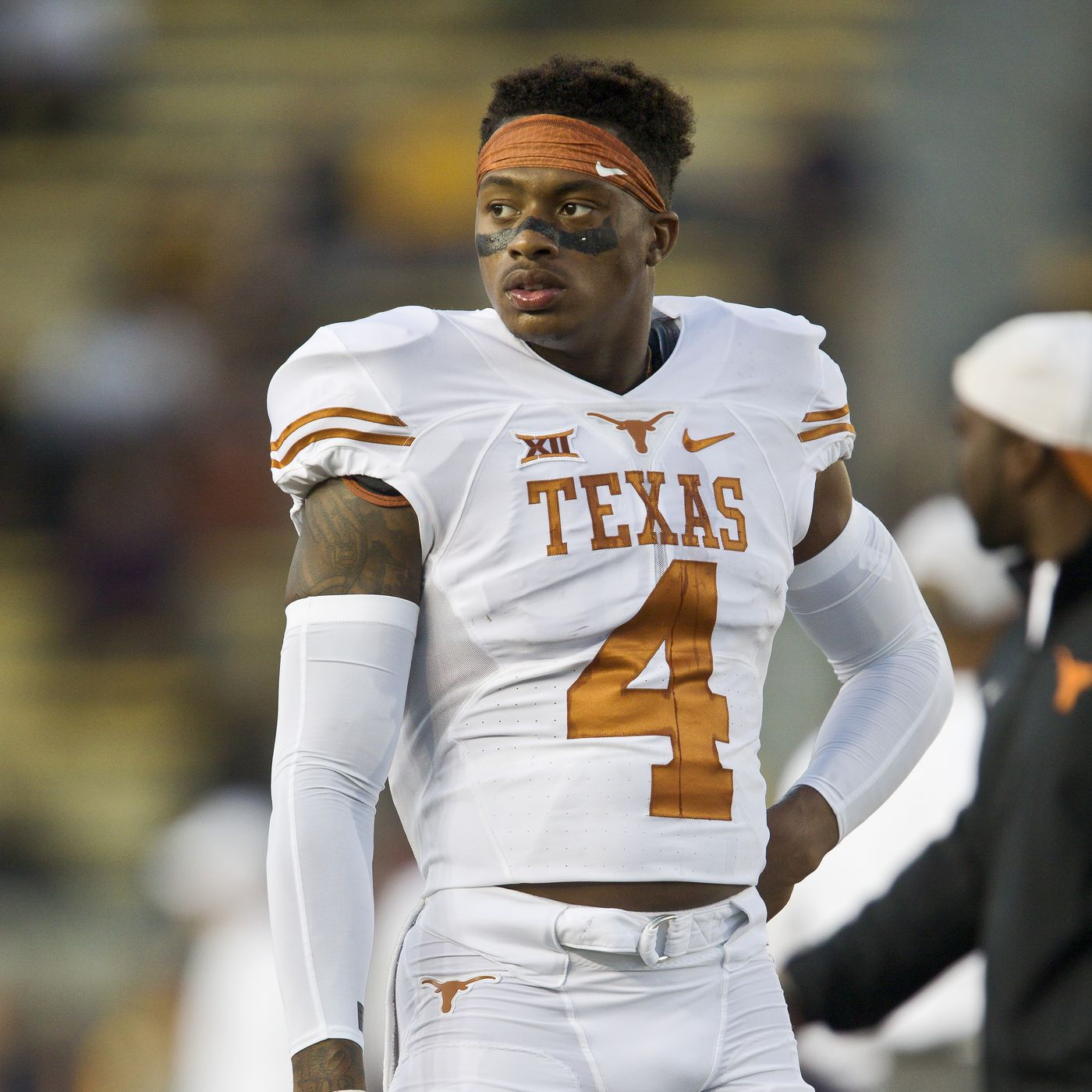 huge discount 9ff9f 78558 Deshon Elliott wants to return Texas to the DBU standard ...