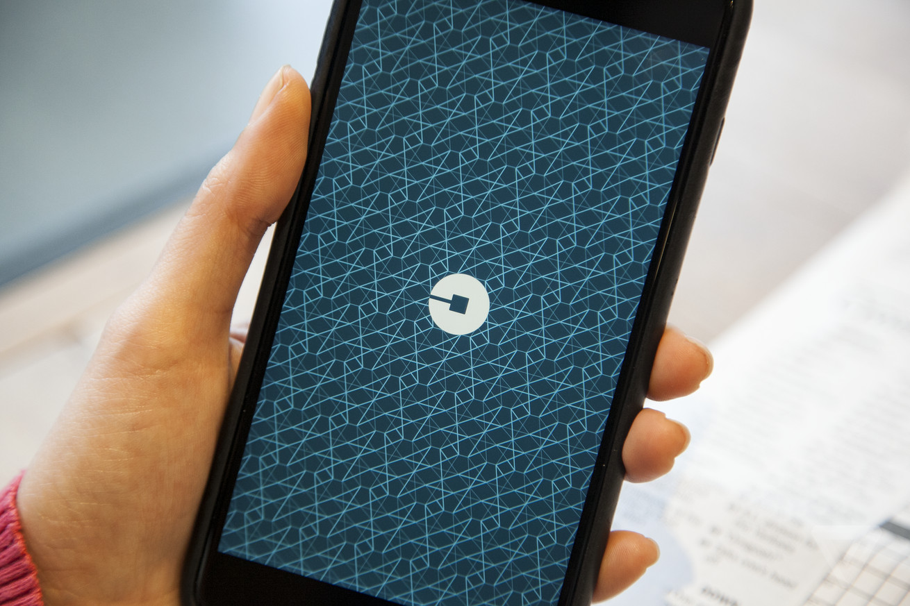 uber finally caves and adds a tipping option to its app