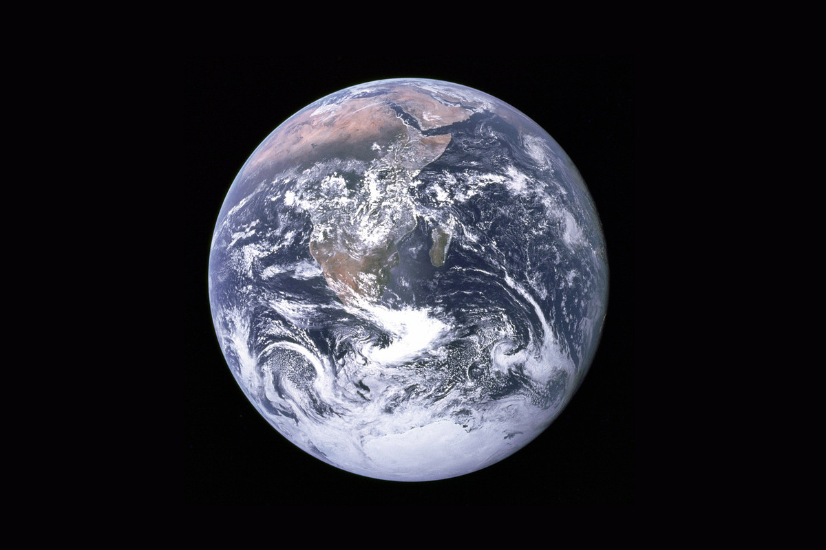 B o B's $1 million flat Earth conspiracy satellite GoFundMe