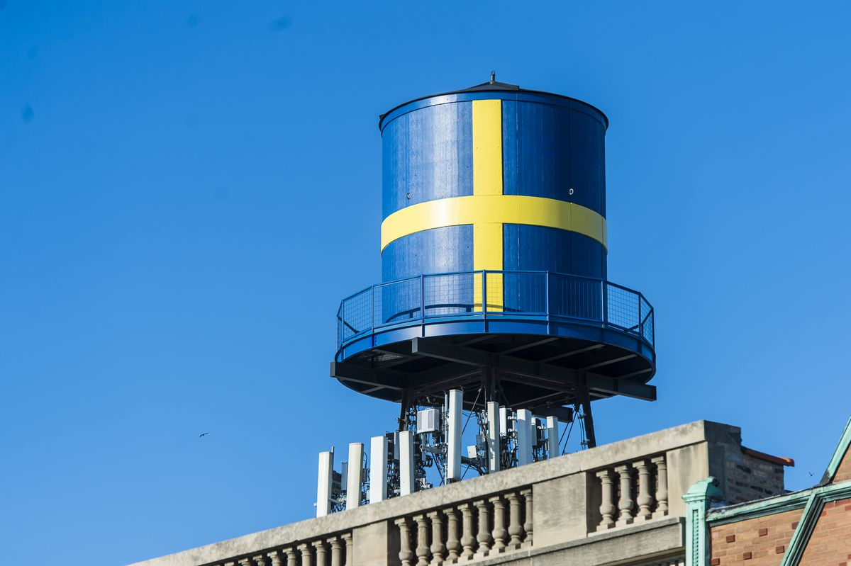 Iconic Swedish Flag Water Tower in Andersonville.   Tyler LaRiviere/Sun-Times