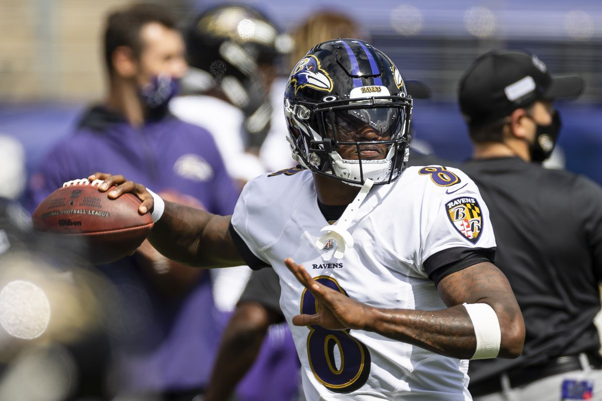 Lamar Jackson #8 of the Baltimore Ravens warms up before the game against the Cleveland Browns at M&T Bank Stadium on September 13, 2020 in Baltimore, Maryland.