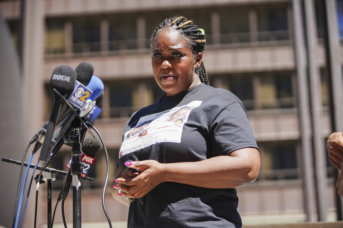 La Shann Walker expresses her discontent with the lack of cooperation from authorities during a press conference at Daley Plaza to bring attention to the ongoing missing persons case of King Walker and Bynum Diamond, Sunday, July 25, 2021.