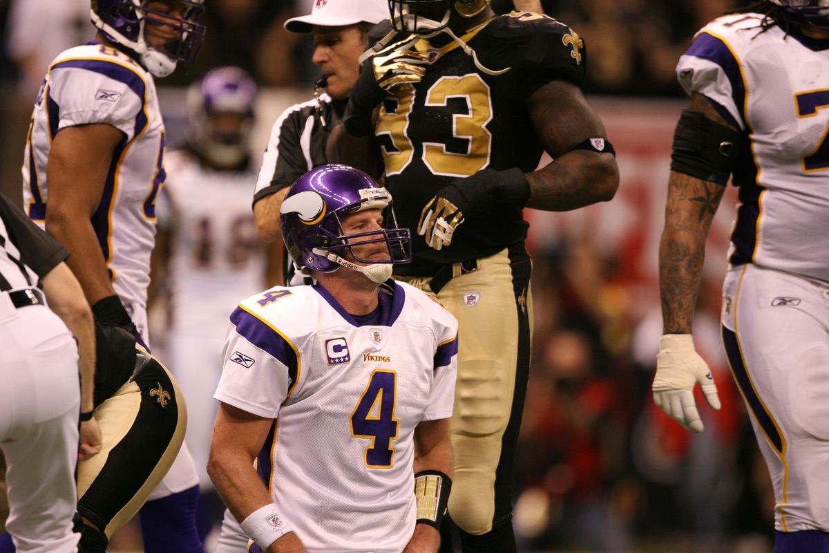 Jerry Holt jgholt@startribune.com New Orleans, LA –Jan,24,2010 New Orleans Saints host the Minnesota Vikings in the NFC Championship at the Louisiana Superdome. IN THIS PHOTO: ] Brett Favre was not happy after Adrain Peterson fumbled was recovere