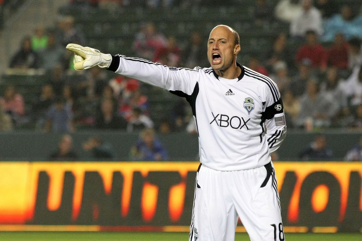 Kasey Keller's uniform will change, but he'll still be yelling at defenders to pick up their marks. He will be in the booth for the Sounders and ESPN.
