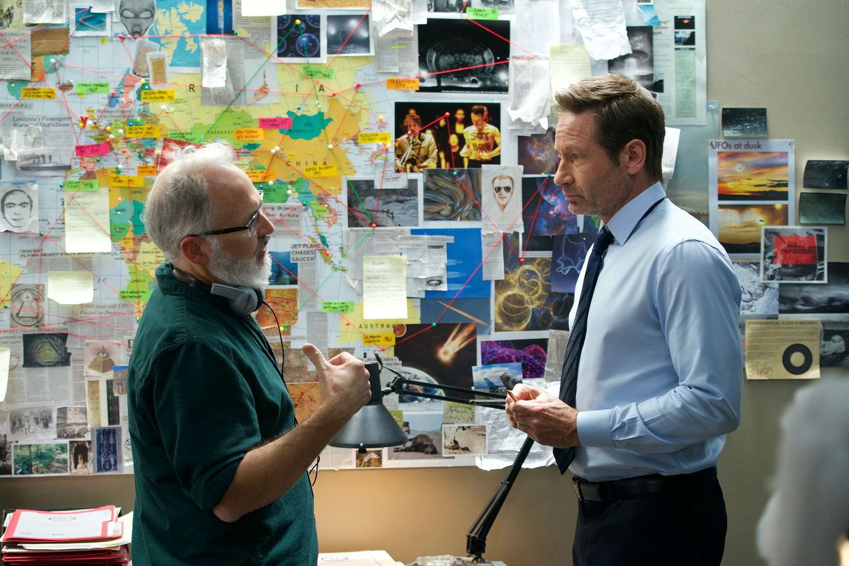 """Darin Morgan and David Duchovny during the production of """"The Lost Art of Forehead Sweat"""""""